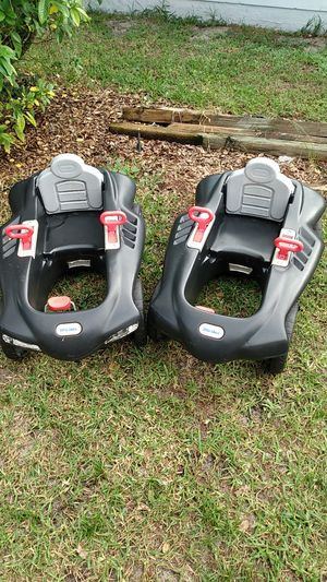 2 little tikes Sport Racer pedal car kids toy Ages3-7 Years Old for Sale in Lake Wales, FL