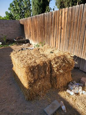4 Hays for free for Sale in Corona, CA