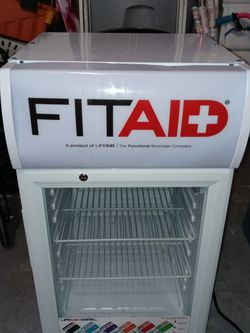 PRICE DROP!!! FitAid mini fridge for Sale in Casselberry,  FL