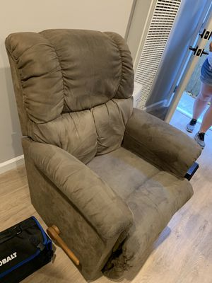 Lazy Boy Recliner Chair for Sale in South San Francisco, CA