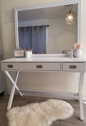 Vanity Desk for Sale in Norwalk, CA