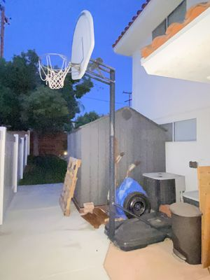 Portable Lifetime Basketball hoop for Sale in Menifee, CA