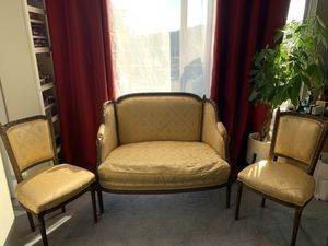 Antique French hand carved gold brocade settee couch and two chairs for Sale in Los Angeles, CA