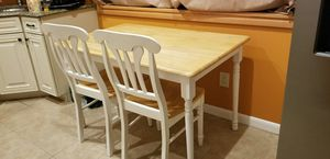 maple wood kitchen set, (table and 4 chairs). for Sale in Edison, NJ
