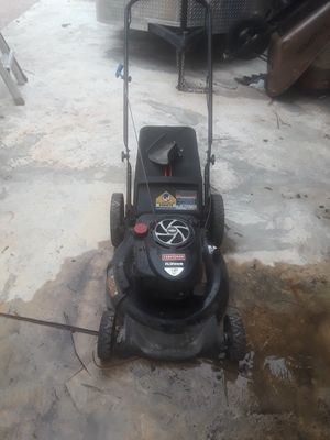 Craftsman 7.5 hrs lawn mower for Sale in Pompano Beach, FL