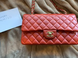 Authentic Chanel Lambskin Red Medium Handbag with matte gold hardware for Sale in Los Altos, CA