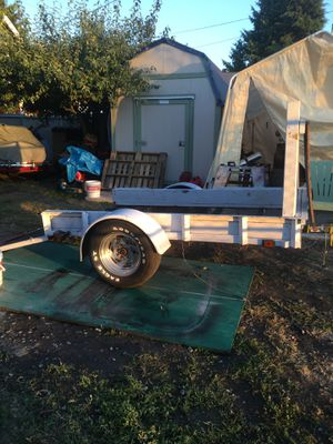 nice little trailer with fold down ramp for Sale in Tacoma, WA