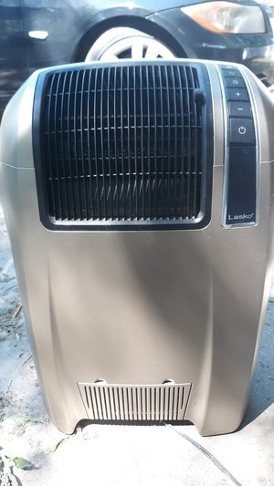 Lasko heater and air conditioning fan with remote for Sale in Lincoln, NE