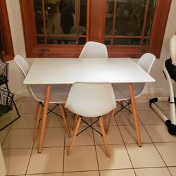 Kitchen Table for Sale in Irvine,  CA