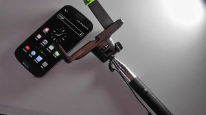 Original selfie stick completely wireless for Sale in Detroit, MI