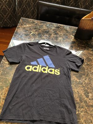 Adidas shirt for Sale in Cleveland, TN