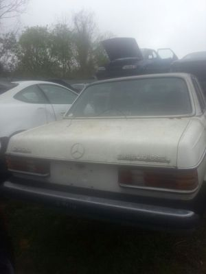 Mercedes 300D Parts 1981 diesel for Sale in Houston, TX