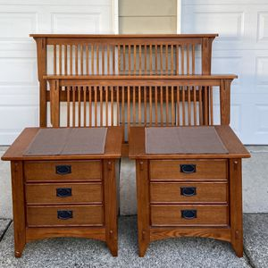 Missing Style Oak Queen Bedframe and Nightstands. for Sale in Puyallup, WA