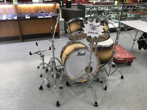 """Pearl Masters Maple Complete 4pc Drum Set with 10""""x7"""" Rack Tom Drum, 12""""x8"""" Rack Tom Drum, 16x16 Floor Tom Drum, 22"""" Bass Drum, with Hardware $999.99 for Sale in Tampa, FL"""