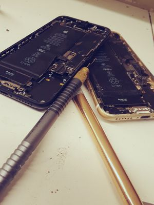 Iphone x, iPhone 7 for Sale in Phoenix, AZ
