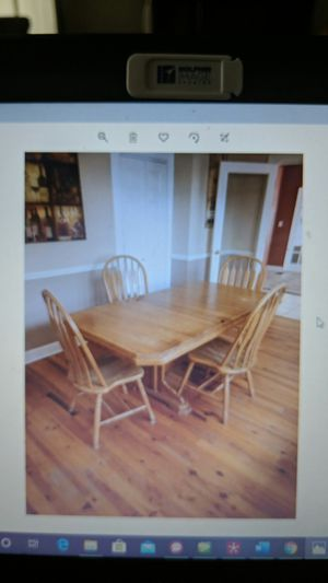 Free Table for Sale in Winter Haven, FL