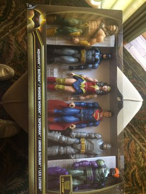 "Exclusiive Mattel 2015 poseable figurine toys 12"" for Sale in Cottage Grove, MN"