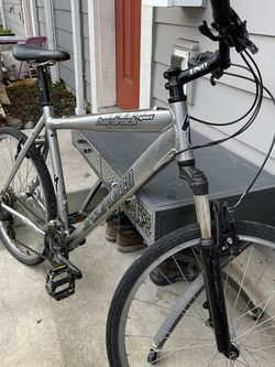 Specialised ALUMINIUM Bike for Sale in Tacoma,  WA