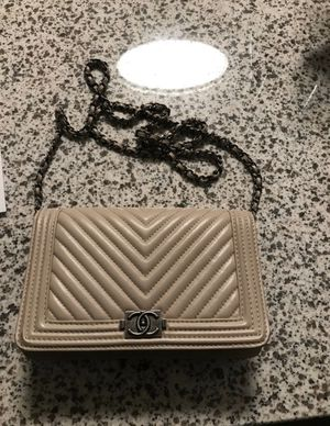 Chanel boy bag wallet with Chain for Sale in NO BRENTWOOD, MD