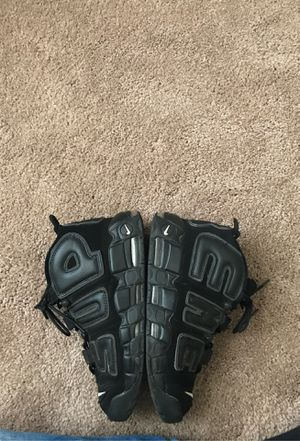 Supreme uptempos (size 9) for Sale in Fayetteville, NC