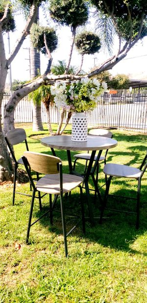 5 pc dining table for Sale in Riverside, CA