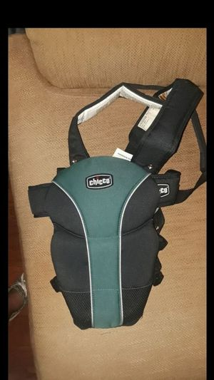 Chicco baby carrier for Sale in Acworth, GA