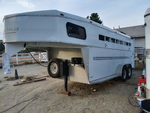 2001 Trails West 3 horse trailer for Sale in Beaumont, CA