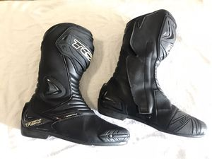 Motorcycle gear Boots, Helmet for Sale in Brooklyn, NY