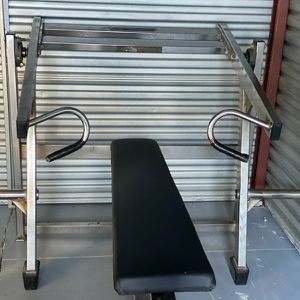 Nautilus Plateload Flat Bench Chest Press for Sale in Miami, FL