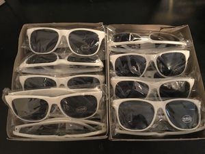 Photo Booth sunglasses prop, left over from wedding for Sale in Oviedo, FL