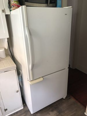 Refrigerator - with bottom freezer for Sale in San Diego, CA