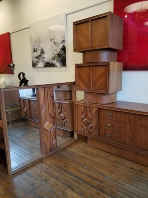 Walnut sculpted mid century brutalist dresser bedroom set w/mirror for Sale in Chicago, IL