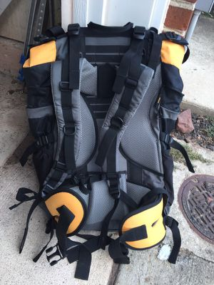 Coleman max 65L backpack for Sale in Manassas, VA