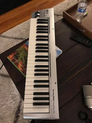 M Audio Keyrig 49 midi controller for Sale in Edgewood, WA