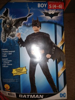 Batman Halloween costume (4-6) year old for Sale in Dunwoody, GA