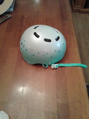 Bell bike helmet for Sale in Pandora, OH