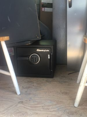 New model Sentry Safe for Sale in San Angelo, TX