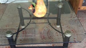 Glass coffee table for Sale in Hialeah, FL