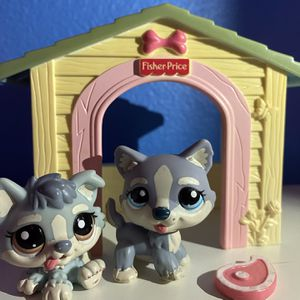 Mom Dog and Pup Littlest Pet Shop (With Doghouse and Steak Prop) for Sale in Vista, CA