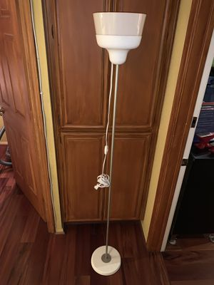 Floor lamp for Sale in Costa Mesa, CA