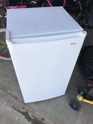 Mini refrigerator for Sale in Wichita, KS