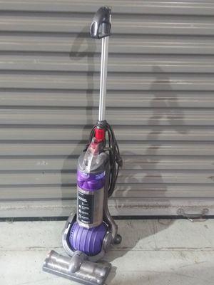 Dyson vacuum for Sale in Oak Lawn, IL