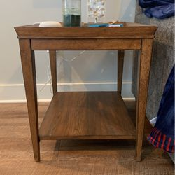 Living room End Table for Sale in Cary,  NC