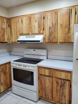 EXTREMELY LOW PRICE $125 Kitchen Cabinets for Sale in Tamarac, FL