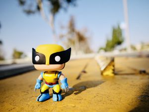 Wolverine (Classic Suit) Vinyl Figure Funko POP! for Sale in Fountain Valley, CA