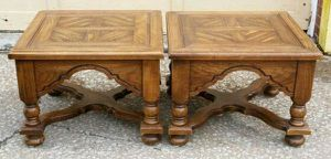 Pair of Thomasville Wood End Tables for Sale in Lorain, OH