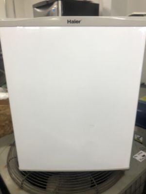 Haier 2.7 cu. ft. Mini Fridge For Sale!!! for Sale in Chicago, IL