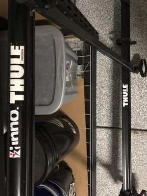 Thule Roof Top 2 Bike Rack & Thule cross bars (2) ready to fit right on your existing cross bars! for Sale in Arvada, CO