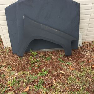 Canyon Fender hood Tailgate for Sale in New Port Richey, FL