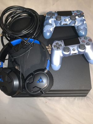 PlayStation 4 Pro 1Tb with controllers and Headset for Sale in Memphis, TN